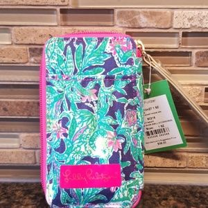 Lilly Pulitzer  id and smart phone case